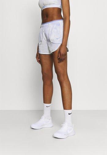 LUXE SHORT - Pantaloncini sportivi - light thistle/clear
