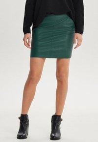 ONLY - ONLBASE  - Falda de tubo - dark green - 0