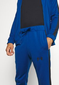 Under Armour - EMEA TRACK SUIT - Dres - graphite blue - 8