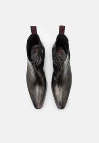 Jeffery West - YARDBIRD - Kovbojské/motorkářské boty - college silver - 3