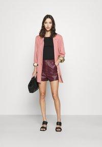 Missguided - CROC - Shorts - plum - 1