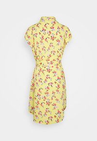 Pieces Petite - PCNYA DRESS - Vestido camisero - lemon drop - 1