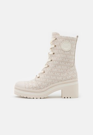 COREY BOOTIE - Lace-up ankle boots - nature/light cream