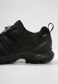 adidas Performance - TERREX SWIFT R2 GTX - Hiking shoes - black - 5