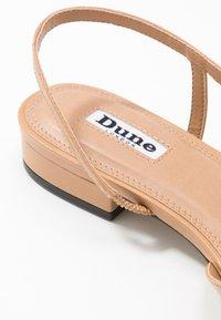 Dune London - CORALLINA - Ballerina med hælstøtte - camel - 2