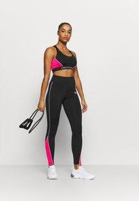 Pink Soda - LAYNA  - Urheiluliivit: keskitason tuki - black - 1