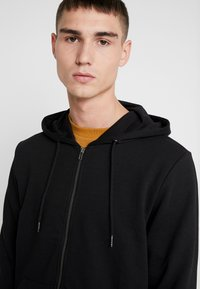 Only & Sons - ONSWINSTON ZIP HOODIE - Bluza rozpinana - black - 3