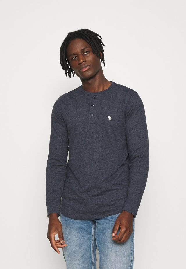 ICON TURNBACK STRIPES CREW - Maglietta a manica lunga - navy