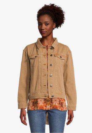 MIT AUFGESETZTER BRUSTTASCHE - Denim jacket - tobacco brown