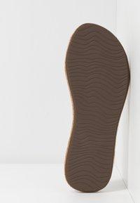 Reef - BLISS SUMMER - Sandály s odděleným palcem - beige - 6
