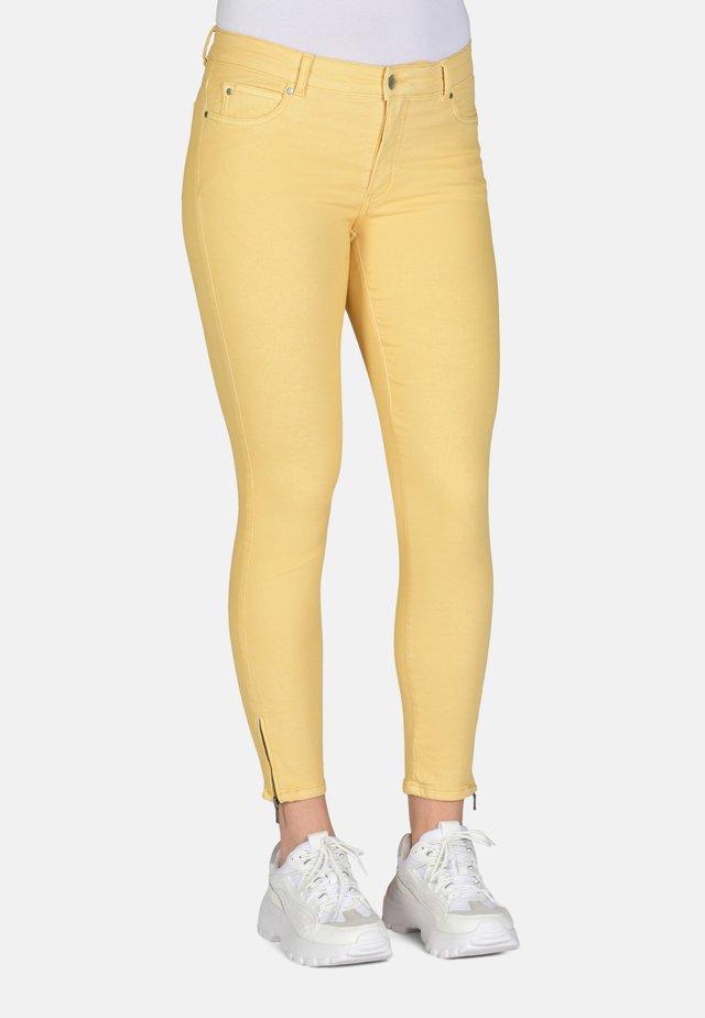 Slim fit jeans - corn