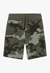GAP - TODDLER BOY - Shorts - green - 0
