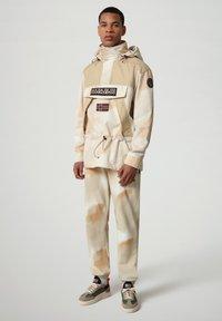 Napapijri - SKIDOO AIRBRUSH CAMO - Summer jacket - beige camou - 1