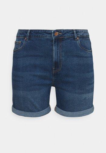 VMJOANA MOM - Denim shorts - medium blue denim