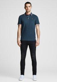 Jack & Jones PREMIUM - Polo shirt - true navy - 1