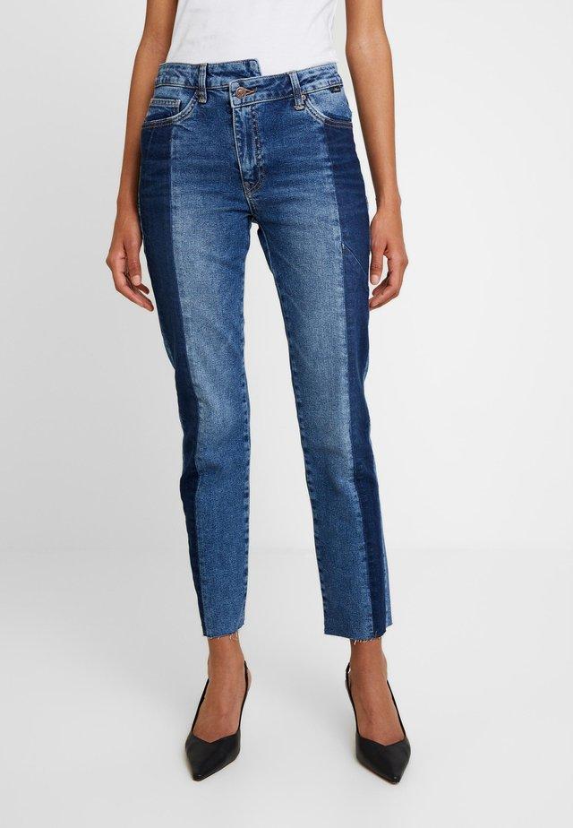 DARIA BLOCKING - Jeansy Straight Leg - indigo