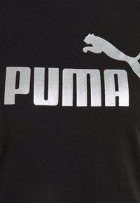 Puma - METALLIC LOGO TEE - Camiseta estampada - black/silver - 6
