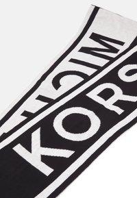 Michael Kors - VERTICAL LOGO MUFFLER - Scarf - black - 2