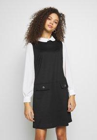 Wallis Petite - PETITES PONTE POCKET DRESS - Shift dress - mono - 0