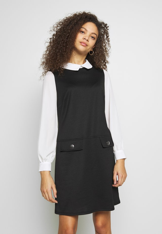 PETITES PONTE POCKET DRESS - Shift dress - mono