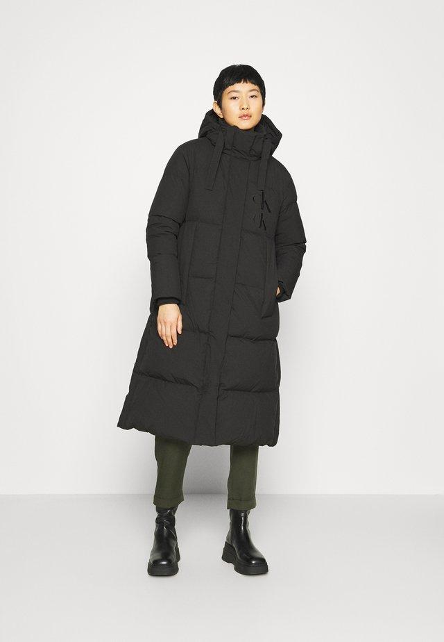 ECO LONG PUFFER - Down coat - black