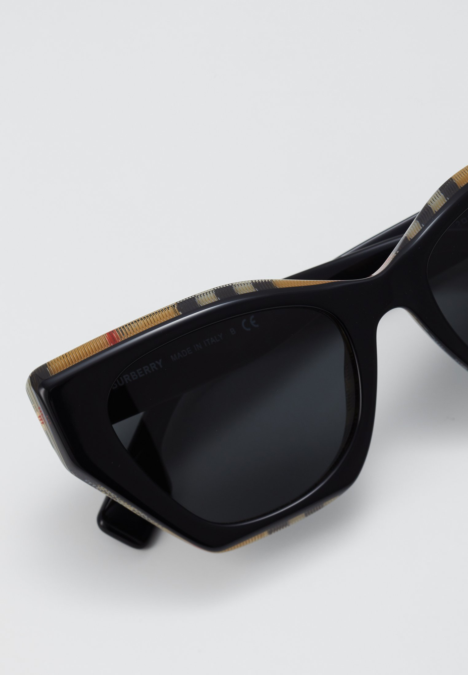 Burberry Aurinkolasit - black - Naisten asusteet H8Gil