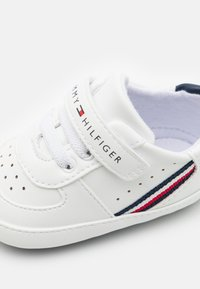 Tommy Hilfiger - First shoes - white/blue - 5
