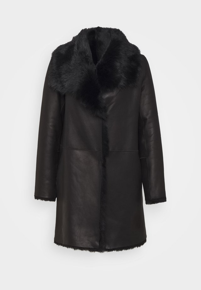 REVERSIBLE CURLY COAT - Wintermantel - black
