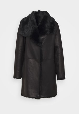 REVERSIBLE CURLY COAT - Winter coat - black