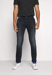 Tommy Jeans - SCANTON SLIM - Slim fit -farkut - dutton blue - 0