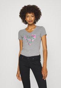 Guess - BRITNEY  - Print T-shirt - stone heather grey - 0