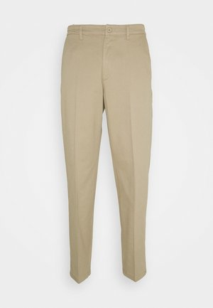 TIEN BUZZ PANT - Chinos - sand