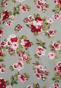 Vila - VIMILINA FLOWER - Print T-shirt - green milieu/red/pink - 6
