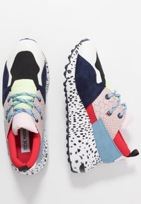 Steve Madden - CLIFF - Sneakers - pink/black - 3
