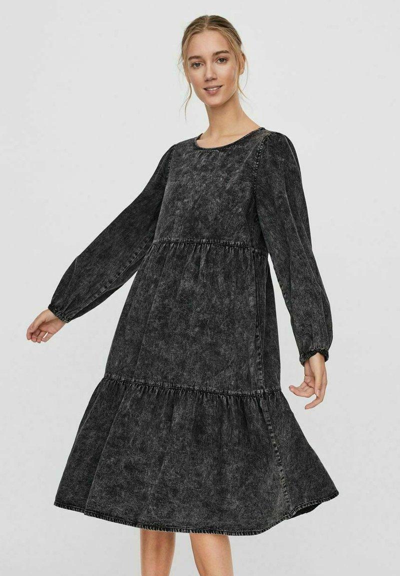 Vero Moda - Denim dress - black