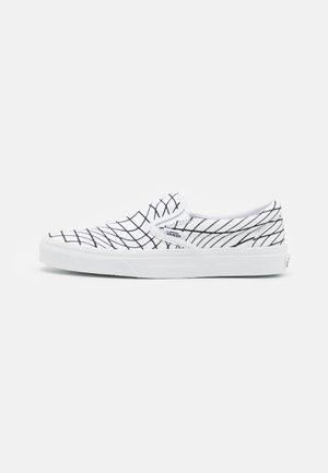 CLASSIC SLIP-ON UNISEX - Loafers - white/black
