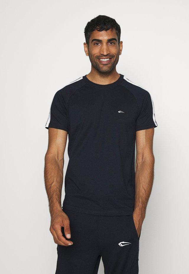 STRIPE - T-shirt z nadrukiem - blau