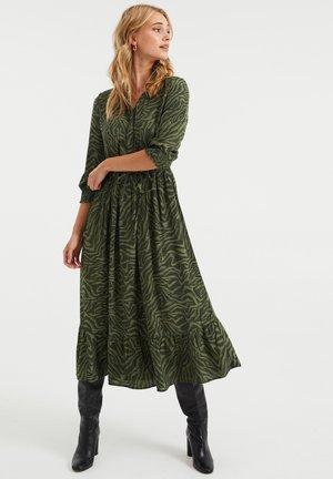 MET DESSIN - Shirt dress - dark green