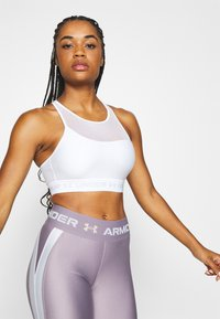 Under Armour - MID CROSSBACK BRA - Sports bra - white - 0