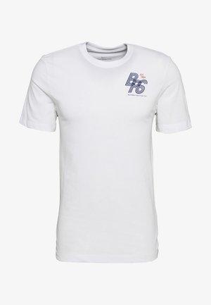 DRY TEE - Camiseta estampada - white