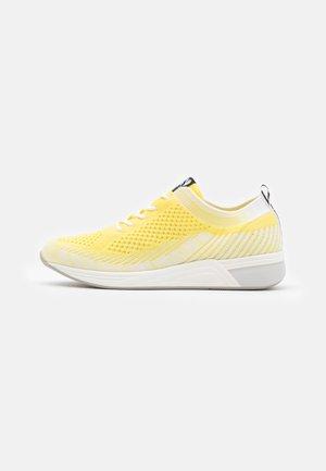 Sneakers laag - lemon