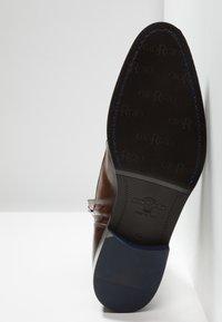 Giorgio 1958 - Šněrovací kotníkové boty - brown - 4