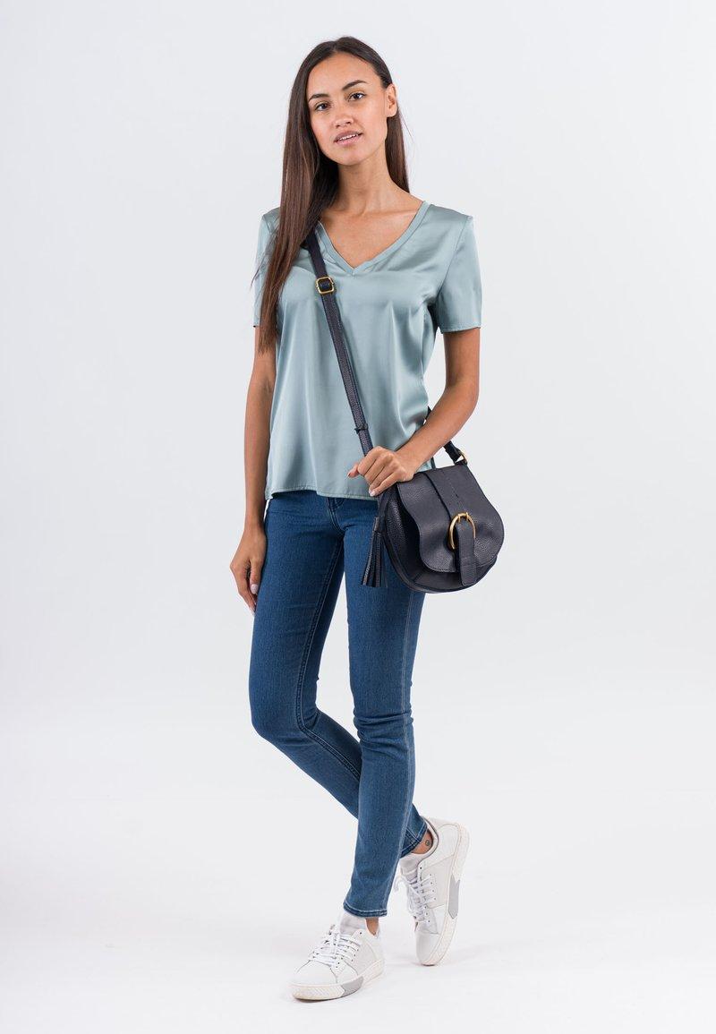 SURI FREY - BRITTNEY - Across body bag - blue