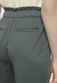 TOM TAILOR DENIM - Trousers - dusty pine green - 5