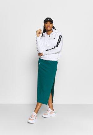 ISMINI - Sports skirt - shaded spruce