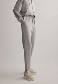 OYSHO - Pantalon de survêtement - light grey - 0