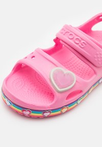 Crocs - FUN RAINBOW - Pool slides - pink lemonade - 5