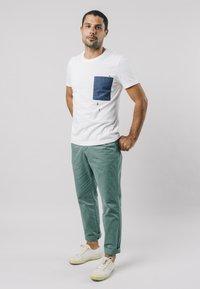 Brava Fabrics - NINJA - T-shirt print - white - 1