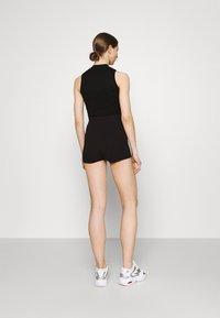 Gina Tricot - KLARA HOTPANTS - Shorts - black - 2