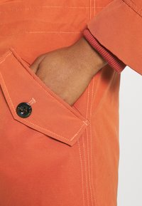 G-Star - NEW DUTY SHORT - Parka - dusty royal orange - 7